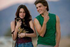 Kristen Stewart Love Scene | still shot from the movie Into the Wild featuring Hirsch and Stewart