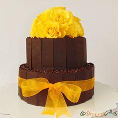 Chocolate&Vanilla Cake by simonacallas Chocolate And Vanilla Cake, Romanian Desserts, Something Sweet, Mini Cakes, Beautiful Cakes, Mousse, Wedding Cakes, Sweet Treats, Ice Cream