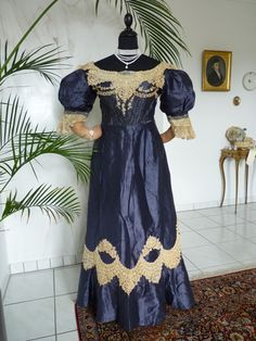 "Victorian two-piece antique dress / evening dress (ca. 1895). Labelled with ""Robes & Confection * Rosa Taussig Stein * Prag""."
