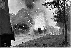 'Hell's Highway', een Loyd Carrier is getroffen door een Duits kanon.