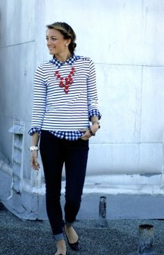 mom outfit idea: contrasting patterns + dark denim + ballet flats | mom style advice - The Closet Coach-- I LOVE the contrasting patterns idea.