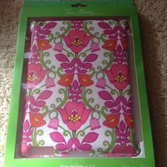 Vera Bradley Snap On Case iPad 2 or 3 Lilli Bell New in package. Vera Bradley Accessories Tablet Cases