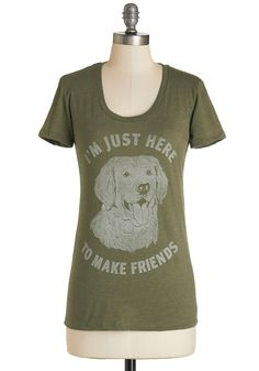 Love is Paw You Need Tee. Youre a true friend to the end, just like the Golden Retriever sitting attentively on this olive-green tee! #green #modcloth Calzas, Ropa, Camisetas, Atuendos De Otoño, Ropa Informal, Suéteres De Época, Tops Bonitos, Modcloth, Blusa