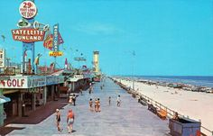 daytona beach - We went here every summer when I was young, we loved the Boardwalk and Pier, but Momma just wanted to lay out by the pool! Sorry Momma. Daytona Beach Florida, Daytona Beach Boardwalk, Ormond Beach Florida, Dayton Beach, Old Florida, Vintage Florida, Florida Beaches, Gainesville Florida, Florida Style
