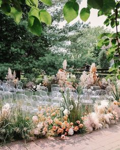 2020 Wedding Trends To Bookmark: Part 1 ⋆ Ruffled - Plans are underway for weddings in the new year, so we only thought it fitting to share our favorite 2020 wedding trends - and believe us, we could ha. Wedding Trends, Wedding Designs, Wedding Styles, Wedding Ideas, Aisle Flowers, Wedding Flowers, Wedding Flower Arrangements, Decoration Inspiration, Wedding Inspiration