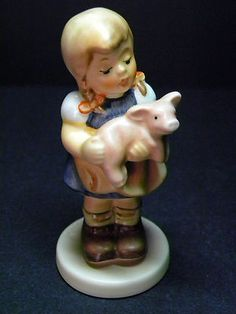 Ceramics of family. Hummel Figurines, Old Ones, Precious Moments, Childhood Memories, Germany, Old Things, Dolls, Nice, Collection