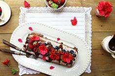 Hoje para jantar ...: Torta de brownie de beterraba, gelado de mirtilo e chocolate com suspiro