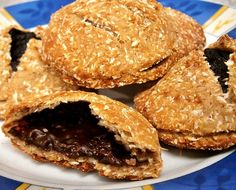 Csokikrémmel töltött kókuszos keksz Muffin, Cookies, Breakfast, Sweet, Desserts, Recipes, Food, Crack Crackers, Morning Coffee