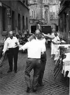 Dancing in the streets of Rome. Vicolo del Leopardo Salterello, Tratevere (1950s) photographed by Italian photographer Emilio Gentilini. via forno