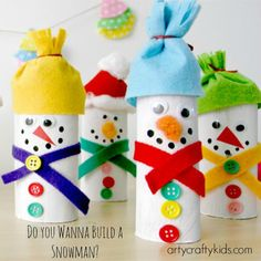 How to make these Christmas kids craft. Arty Crafty Kids - Craft - Christmas Craft for Kids - Paper Roll Snowman Winter Art Projects, Winter Crafts For Kids, Crafts For Kids To Make, Christmas Crafts For Kids, Kids Christmas, Holiday Crafts, Art For Kids, Christmas Christmas, Preschool Crafts