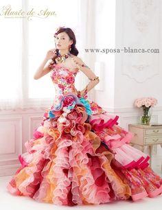 aya OMASA sposa dress.jpg モデルで女優の大政絢さんプロデュースのカラードレスです。 人気のピンクベースのミックスカラーのカクテルです! 是非試着してみてください。 スポサブランカ大阪