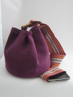 betty 10, crochet bag present for you job for us!!!!!,  Bolso en crochet con aros en madera, regalo para ti y empleo para nosotras!!!! $35USD or $65.000 pesos colombianos