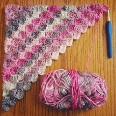 Here's a great tip for crocheting with variegated yarn! cozysoulcrochet over at Instagram shares her 'work in progress' which highlights how 'corner to corner' crochet makes the most of variegated yarn. Btw, you can find me HERE on IG.