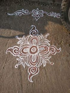 Free Hand Rangoli Design, Rangoli Border Designs, Small Rangoli Design, Beautiful Rangoli Designs, Rangoli Ideas, Rangoli Designs Diwali, Kolam Rangoli, Flower Rangoli, Alpona Design