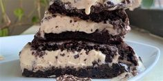 Turn perfect brownies into somehow-even-better ice cream sandwiches Brownie Ice Cream, Cream Cake, Perfect Brownie Recipe, Flavor Ice, Homemade Brownies, Icebox Cake, Best Ice Cream, Frozen Desserts, Frozen Treats
