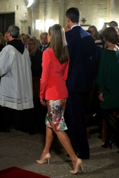 Spanish Crown Prince Felipe and Crown Princess Letizia attend the 'Principe de Viana' 2014 award and Tribute to the Navarra Old Royals at San Salvador de Leyre Monastery on June 4 in Navarra, Spain. This is the first event with Prince Felipe and Princess Letizia after King Juan Carlos stepping down.