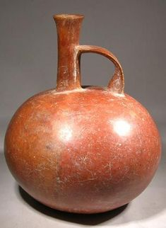 Chorrera Whistle Vessel — Ecuador 1200 BC - 500 BC Ceramic Pottery, Pottery Art, Ceramic Art, Ceramic Pinch Pots, Greek Pottery, Native American Pottery, Vase Shapes, Pottery Designs, Ancient Artifacts