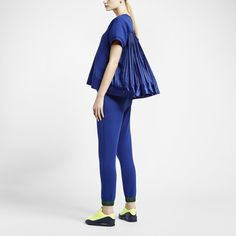 NikeLab x sacai Tech Fleece Short-Sleeve Crew Women's Sweatshirt. Nike Store