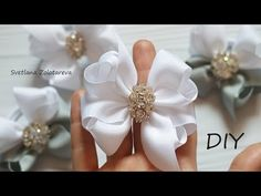Теперь он один из любимых бантиков Быстро и красиво Из ленты - YouTube Ribbon Art, Ribbon Hair Bows, Diy Hair Bows, Diy Bow, Diy Ribbon, Boutique Bow Tutorial, Instruções Origami, How To Make Ribbon, Boutique Bows