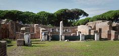 #OstiaAntica es una ciudad romana antigua situada hoy a menos de una hora de #Roma que se corresponde con un puerto comercial en la desembocadura del río #Tíber.  http://www.guias.travel/blog/4-curiosidades-muy-pintorescas-de-ostia-antica/ #Italia #turismo