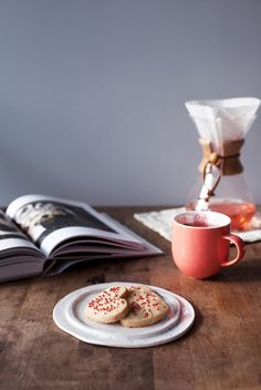 Cookies are the perfect companion to a delicious cup of tea. How can you make cookies even better? Infuse them with tea! Tea Cookies, Shortbread Cookies, Cherry Blossom Cookies Recipe, Baking Recipes, Cookie Recipes, Davids Tea, Tea Box, How To Make Cookies, Family Meals