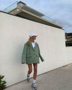 Look Fashion, Fashion Outfits, Fashion Design, Fashion Tips, French Fashion, Spring Fashion Trends, Winter Fashion, Looks Style, My Style