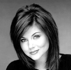 Tiffany Amber Thiessen-Love her hair! Tiffany Amber, Tiffani Amber Thiessen Hair, Medium Hair Styles, Curly Hair Styles, Hair Color And Cut, Layered Haircuts, Great Hair, Hairstyle Ideas, Bridal Hairstyle