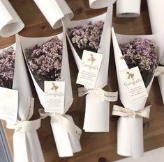 시네시스 꽃말: 청초한 사랑 프리저브드 플라워 여리여리한 생김새의 시네시스는 다발로 제작했을 때 제법 ...