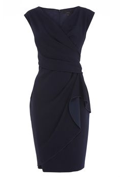 From wedding to cocktail hour this elegantly feminine dress will suit all occasions. With flattering side gathering and V neckline, the Ebony Dress creates a timeless vintage silhouette. This beautiful dress will create effortless elegance with only the minimum of accessories.