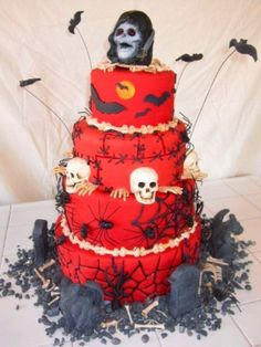 Halloween Party Cake, All figures are made of chocolate, everything is edible, including the rocks!