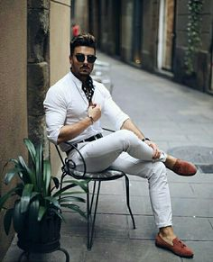 Summer style!! Wonderful classic and very cool mens summer outfit with white shirt and white jeans - but the accessories make the difference! - love this!