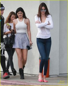 Kendall Jenner: Lunch in Malibu with Kylie! | kendall jenner kylie lunch malibu 05 - Photo Gallery | Just Jared Jr.