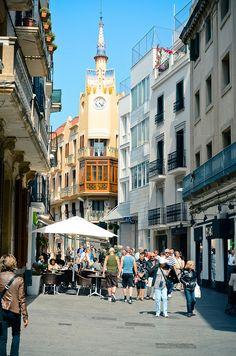 Strut like you mean it; just like Cheeta Girls 2!!!   #SingingInTheStreets Barcelona, Spain