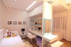 Cool bedroom for sisters (Cool Bedrooms For Teen Girls) Twin Girl Bedrooms, Boy And Girl Shared Bedroom, Shared Bedrooms, Awesome Bedrooms, Girl Room, Bedroom Divider, Bedroom Decor, Sister Room, Kids Room Design