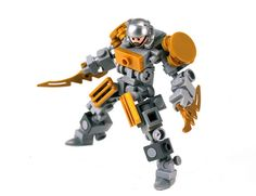Lego Minifig Mecha. Impressive. There is no reason for this not to be a set