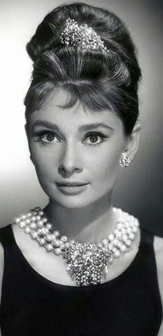 Audrey Hepburn-Breakfast at Tiffany's