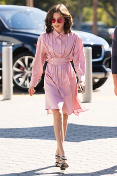 On Millie Bobby Brown: Sies Marjan dress; Alumnae shoes Similar Styles: Ray-Ban Mirrored Rimless Sunglasses … Millie Bobby Brown, Brown Fashion, Look Fashion, Runway Fashion, High Fashion, Woman Fashion, Vintage Outfits, Pink Outfits, Pink Dresses