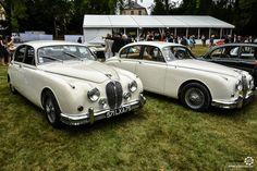 Jaguar MkII à Chantilly Arts et Elegance #MoteuràSouvenirs Reportage :  http://newsdanciennes.com/2016/09/05/chantilly-arts-et-elegance-2016-creme-creme/ #ClassicCar #VintageCar #Voiture #Ancienne