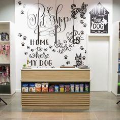 Dog Grooming Shop, Dog Grooming Salons, Dog Shop, Pet Store Display, Daycare Design, Pet Spa, Pet Hotel, Pet Resort, Pet Clinic