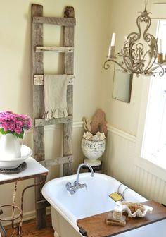 50 Creative Shabby Chic Bathroom Decor Projects To Try For Your Cabin | cute shabby chic bathroom decor ideas 24 | #shabbychic #shabby_chic_bathroom