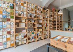 Эргономичный интерьер магазина облицовочной плитки