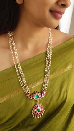 Pearl Necklace Designs, Jewelry Design Earrings, Gold Earrings Designs, Gold Jewellery Design, Pearl Jewelry, Beaded Jewelry, Silver Jewelry, Antique Jewellery Designs, Silver Jewellery Indian