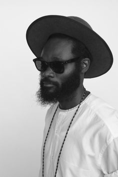 Shaka Maidoh. Black & White. Simple. Great Look. Hat & Glasses. Beard. Profile. Art. Fashion.