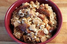 Overnight Slow Cooker Apple Cinnamon Steel-Cut Oatmeal by theyummylife. now I'm finally going to use that slow cooker! Slow Cooker Apples, Slow Cooker Recipes, Crockpot Recipes, Cooking Recipes, Cooking Tips, Apple Cinnamon Oatmeal, Cinnamon Apples, Eat Breakfast, Breakfast Recipes