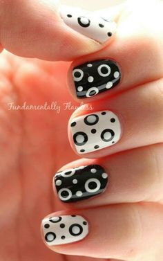 Fundamentally Flawless: Black and White Double Dotticure - Nail art designs Fancy Nails, Diy Nails, Cute Nails, Pretty Nails, Dot Nail Designs, Cute Nail Art Designs, Pedicure Designs, Simple Nail Designs, Dot Nail Art