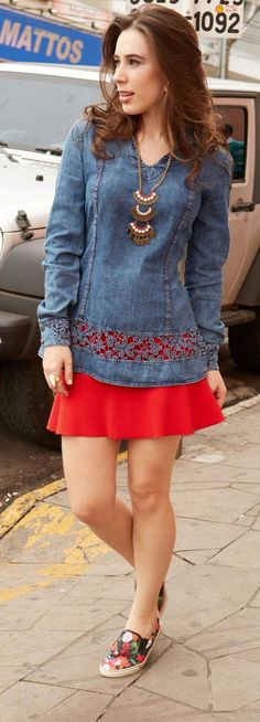 Luxe Fashion New Trends - Fashion for JoJo - Luxe Casual Style, Latest Fashion Trends Denim Fashion, Fashion Outfits, Fashion Trends, Jeans Recycling, Stylish Outfits, Cute Outfits, Denim Ideas, Recycled Denim, Colourful Outfits