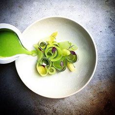 Corguette gazpacho, dill compressed apple, marinated cucumber, and zucchini by Vegan Dishes, Food Dishes, Marinated Cucumbers, Gourmet Recipes, Healthy Recipes, Modernist Cuisine, Cucumber Recipes, Food Plating, Plating Ideas