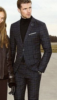men suits black -- CLICK Visit link for more details Der Gentleman, Gentleman Style, Mode Masculine, Mens Fashion Suits, Mens Suits, Big Man Suits, Mode Man, Style Masculin, Plaid Suit