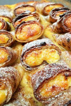 Bécsi túrós palacsinta – VIDEÓVAL! – GastroHobbi Hungarian Desserts, Hungarian Recipes, Sweet Recipes, Cake Recipes, Dessert Recipes, Good Food, Yummy Food, Pancakes And Waffles, International Recipes