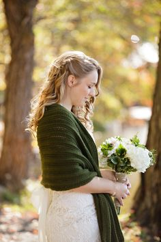 Fall #bride in a gorgeous green shrug | Photography: Sarah Postma Photography - sarahpostma.com  Read More: http://www.stylemepretty.com/2014/05/12/outdoor-fall-wedding-amongst-the-leaves/